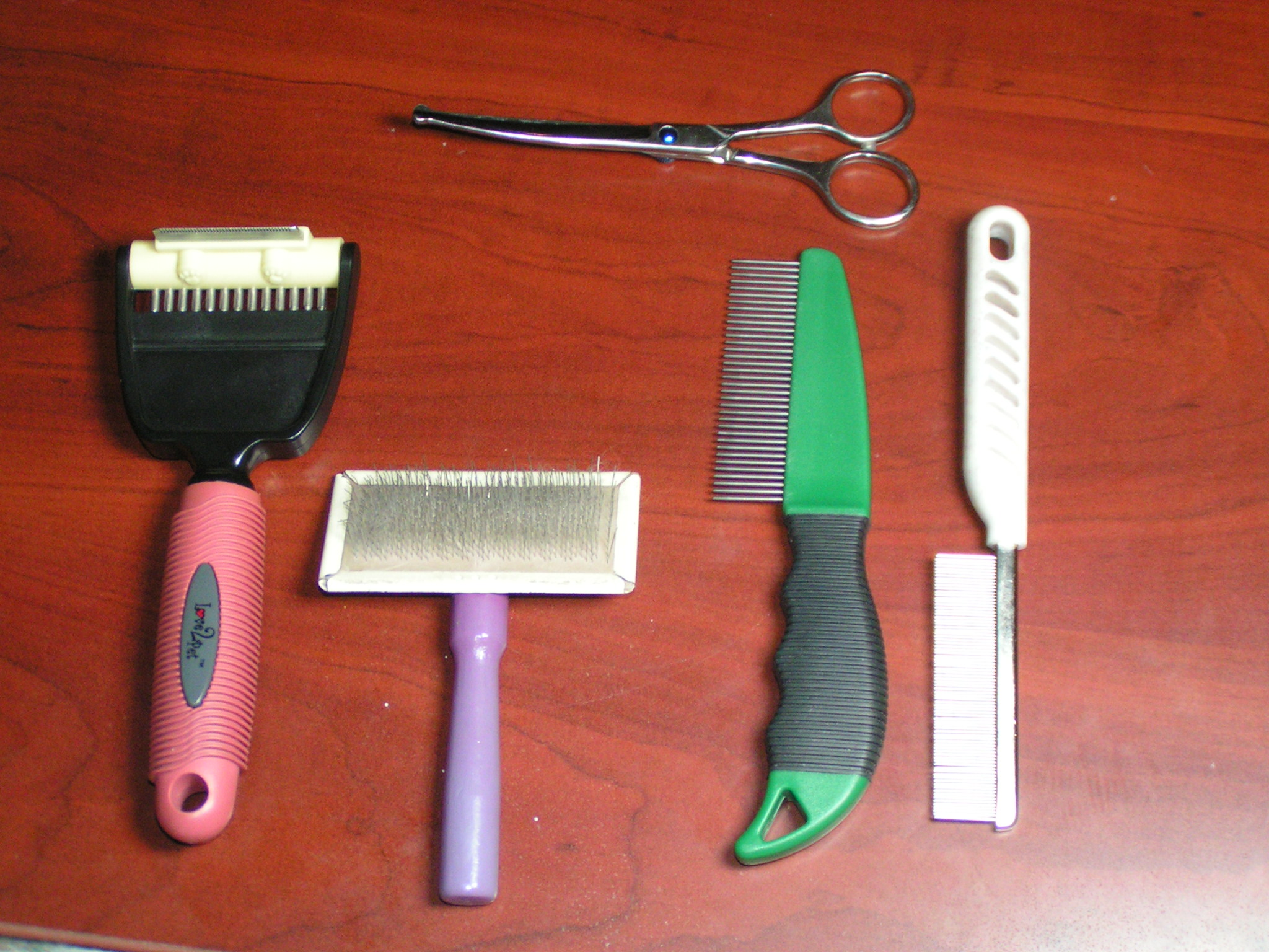 Grooming_Tools_For_Cats